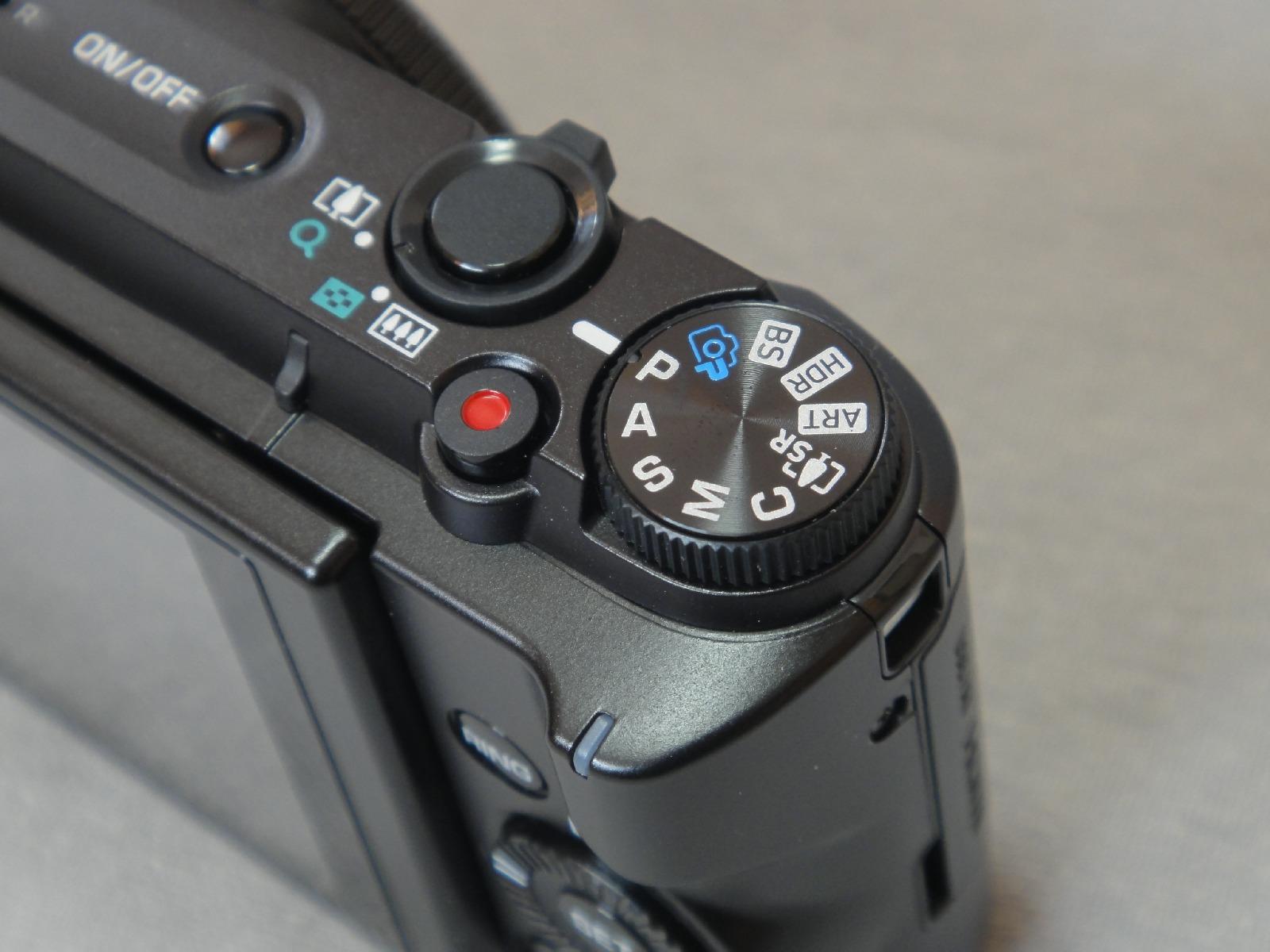 EX-ZR1000_016.jpg