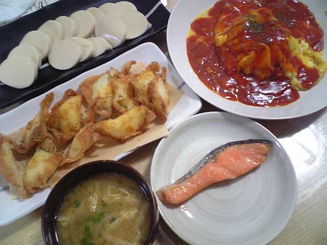 【ご飯】焼鮭にオムロール
